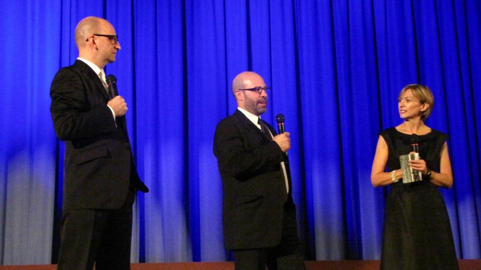 Talento de sobra: o diretor Steven Soderbergh e o roteirista Scott Z. Burns